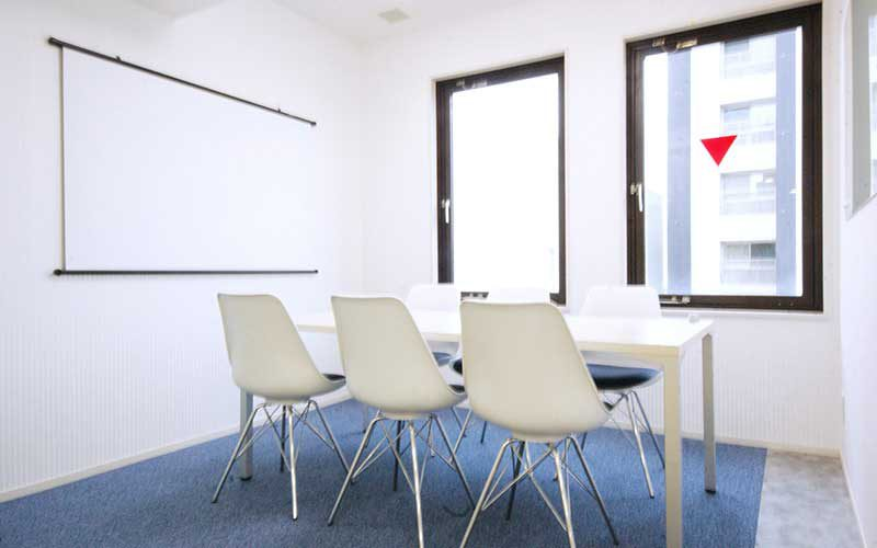 6名用会議室【優待サービス対象施設】